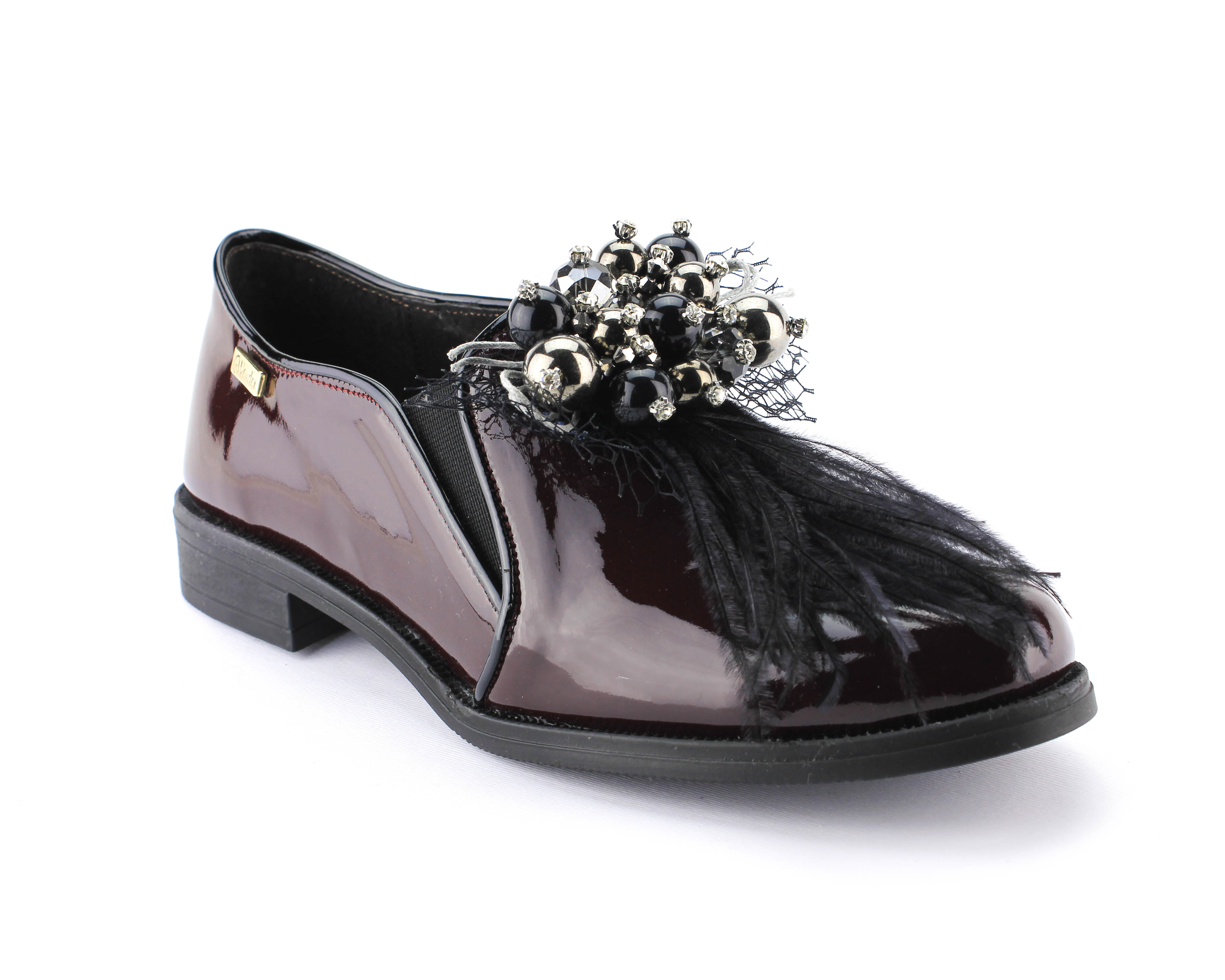 efb4dfecd Wonder Shoes - Sapato de verniz e aplicação